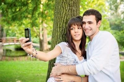بعض العلامات التى تؤكد بأن الحب ما زال موجودا بين الزوجين