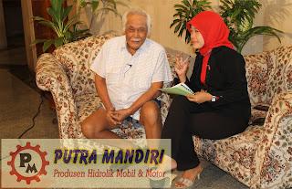 Bob Sadino with Putra Mandiri