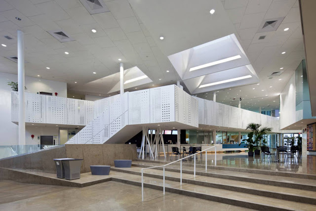 07-Commonwealth-Community-Recreation-Center-by-MJMA