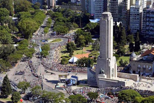 Rally Dakar 2014: comenzó la gran fiesta en Rosario con la largada simbólica ante una multitud Dakar-1821213h627