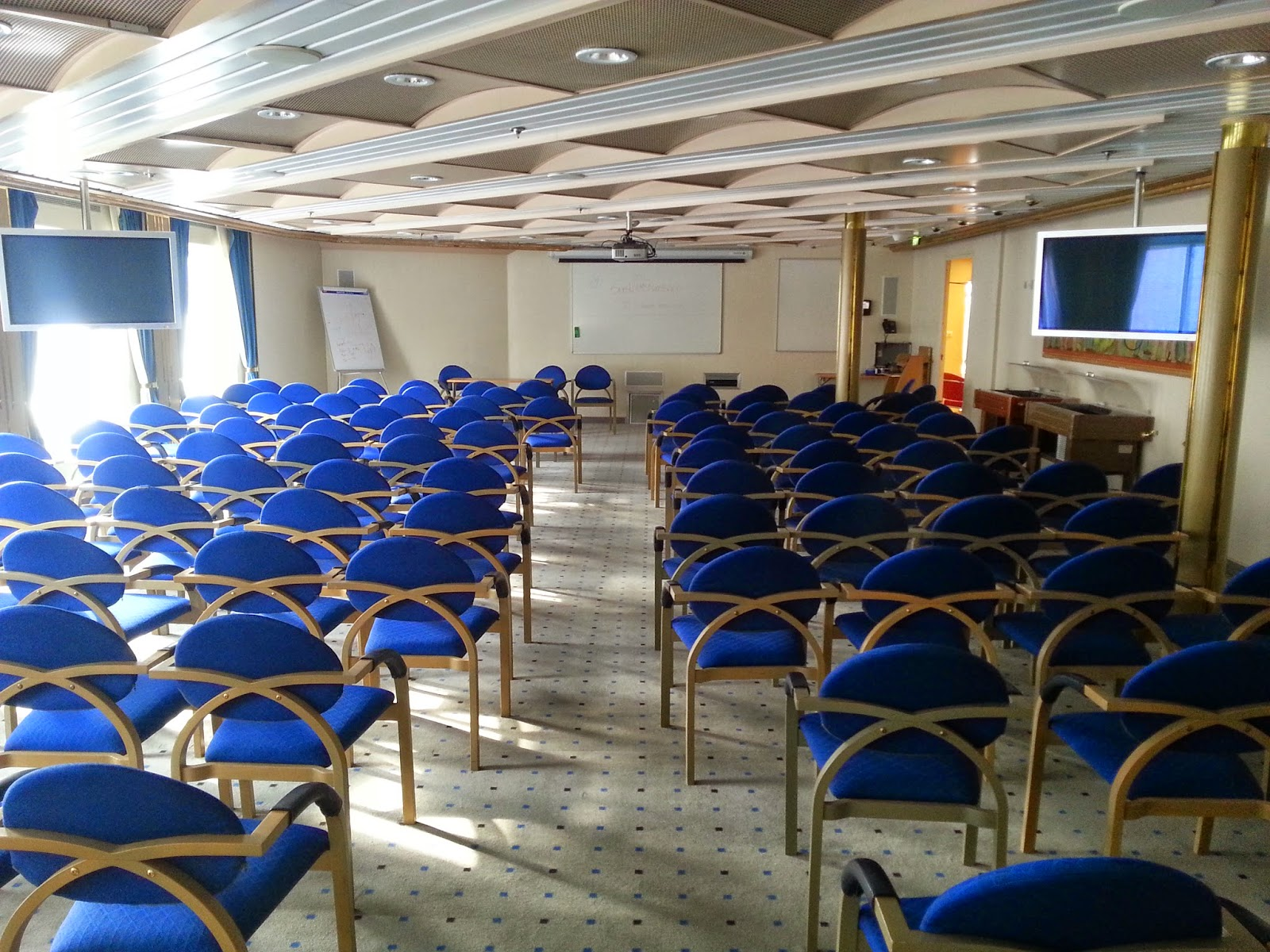 Hurtigruten MS Nordkapp - Amundsen Conference Room