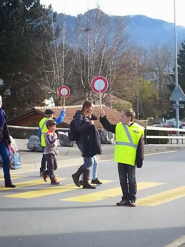 Trânsito na Suíça#Conscientização na Escola