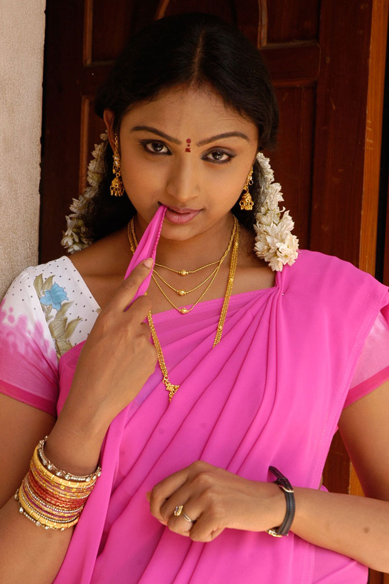Wahida Hot Photos