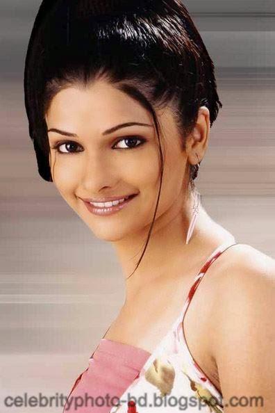 Most+Beautiful+Hot+Photos+of+Prachi+Desai018