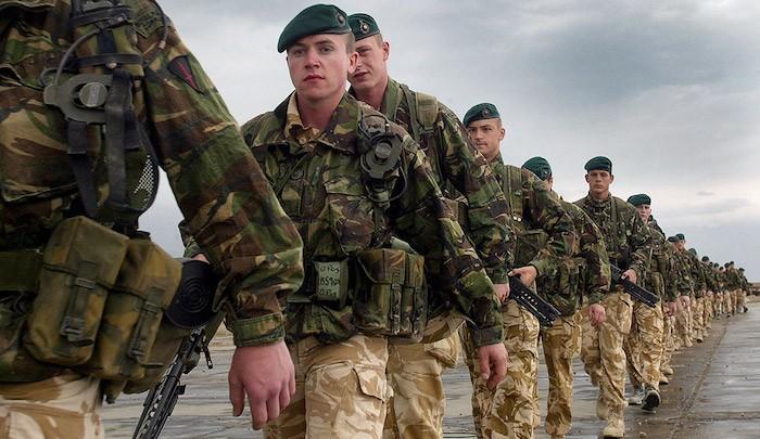 Após o massacre islamista de Manchester, tropas do Reino Unido ocupam... o Reino Unido!