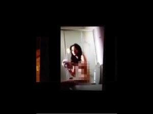Foto Hot Bugil Chelsea Islan Buka Baju di Kamar Mandi