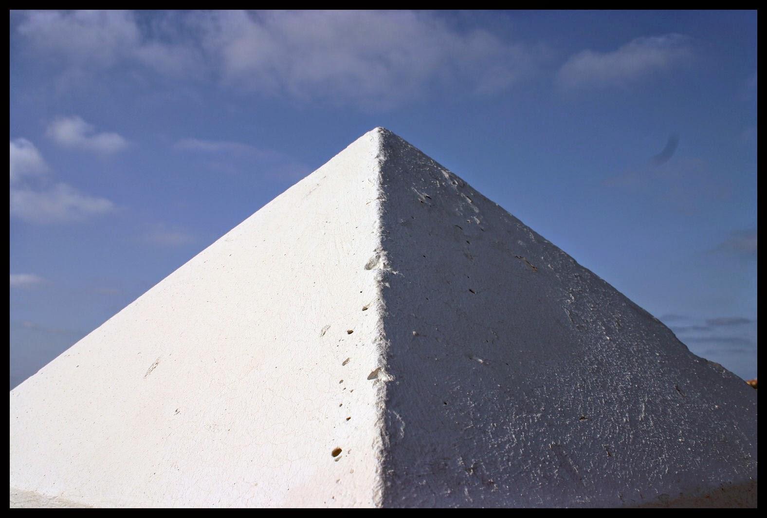 Gran pirámide blanca