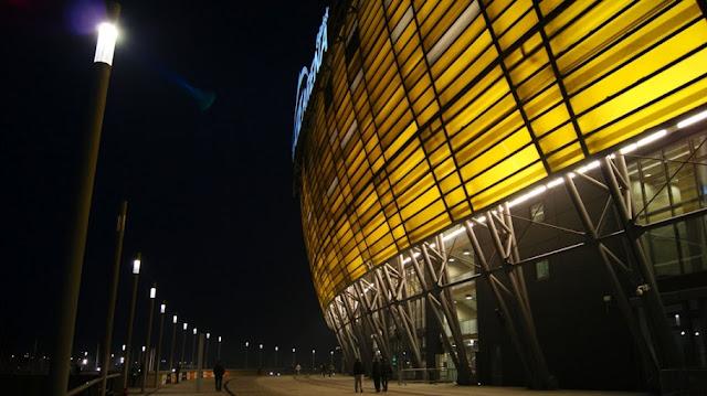 Sistema construtivo em policarbonado da PGE Arena