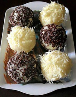 Resep Bola Bola Singkong Coklat Keju Enak Praktis Cara Membuat cemilan dari Singkong yang manis ekonomis enak resep membuat makanan dari bahan singkong enak dan mudah resep kue tradisional dari bahan singkong mudah dan praktis