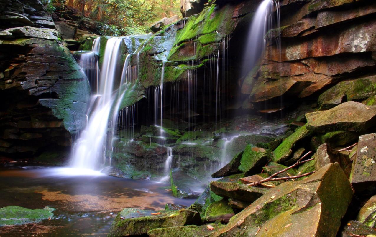 http://4.bp.blogspot.com/-Ea5xL8iXqLs/Tg43dR9EqJI/AAAAAAAAIk4/e3IJSmqed0A/s1600/Magical_elakala-waterfall-2.jpg