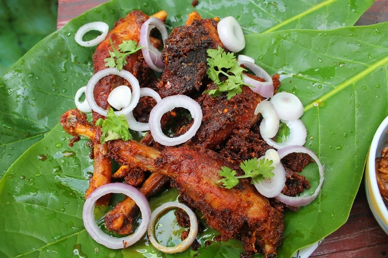 Nattu Kozhi Roast Recipe / Chicken Varuval Recipe / Country Chicken Roast Recipe - Yummy Tummy
