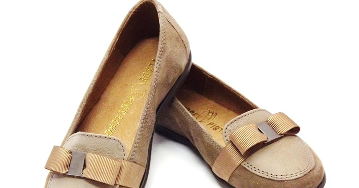 El Rastrillo del Zapatillo: Mocasines para niña en ante beige