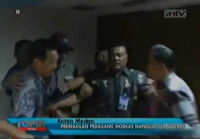 Anton Medan Mengamuk di Mangga Dua Square.
