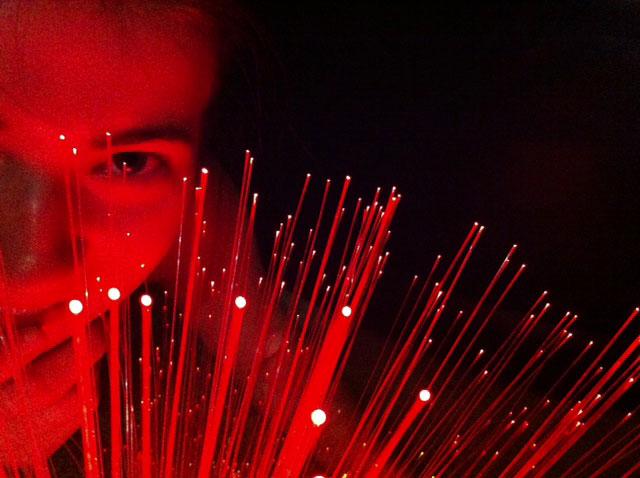 fiber optic red
