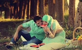 http://infomasihariini.blogspot.com/2015/12/inilah-sifat-suami-yang-di-dambakan.html