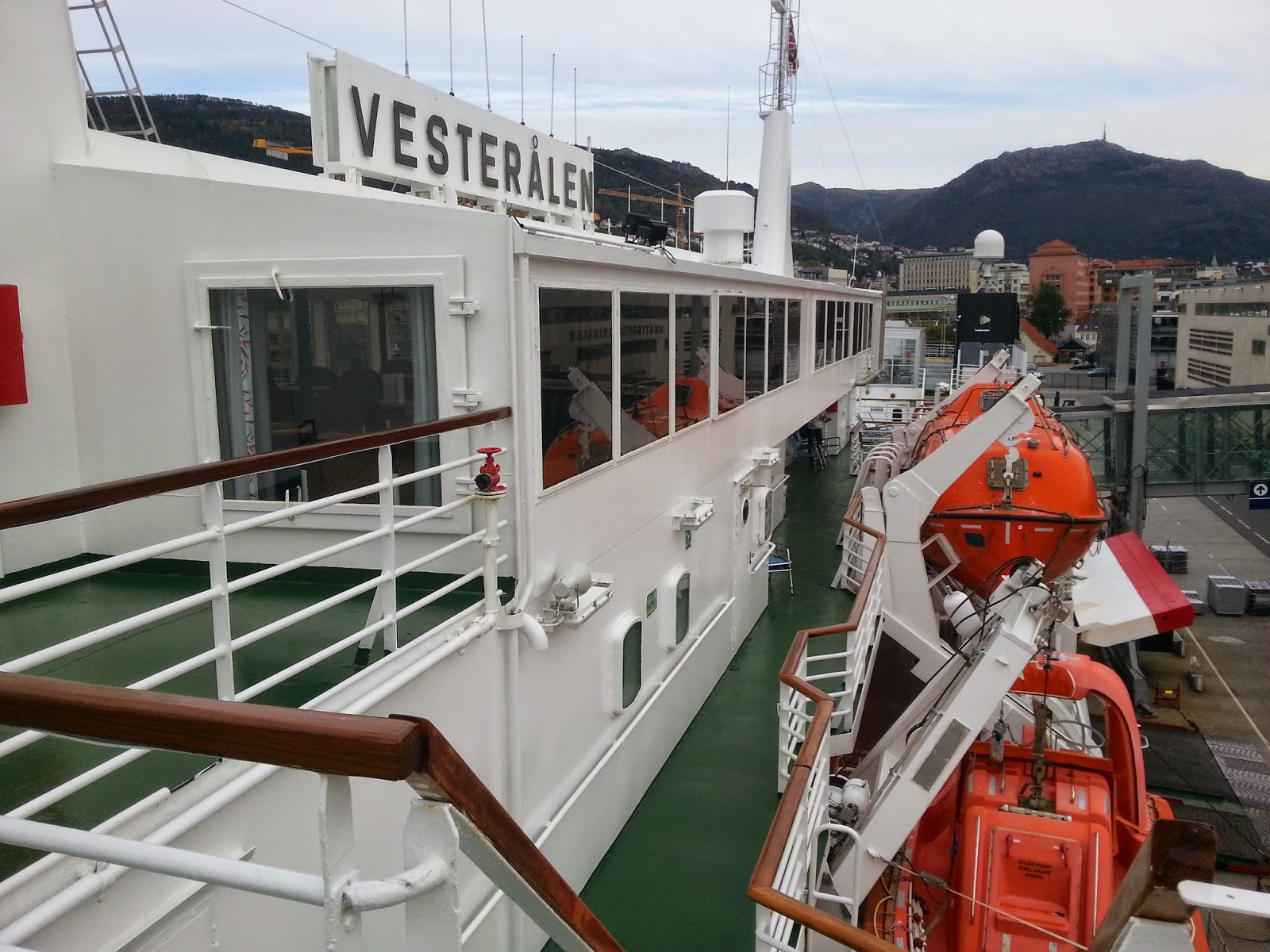 Hurtigruten MS Vesterålen - Open Decks