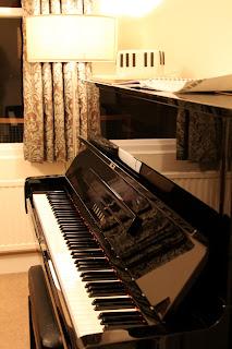 Piano and piano cake