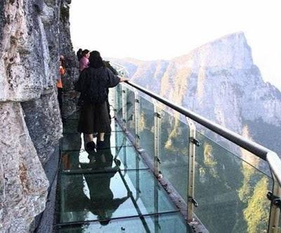 El Puente de Vidrio - China
