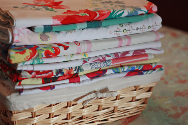 Perfect Vintage Tablecloths 640 x 426 · 84 kB · jpeg