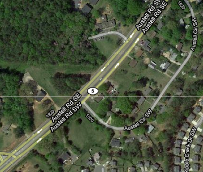 Google satellite view of Austell Road intersection with Austell Circle