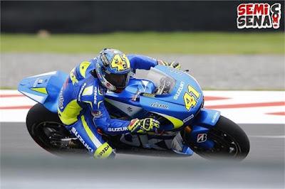 Test-Non-MotoGP-Argentina-Aleix Espargaro-Appearing-Dominate-by-Suzuki GSX-RR