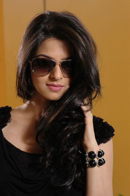 Vedhika in Black Dress Cute Picture Photo Shoot - N/W  Vedika-Hot-Photoshoot-Stills-CF-04