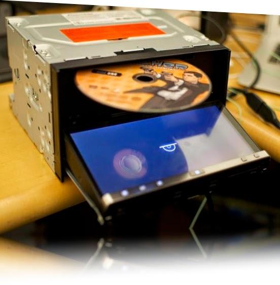 AppRadio memanfaatkan layar capacitive 7-inci seperti pada model generasi kedua. Dengan Resolusi WVGA 800x480 meski memiliki Layar besar,