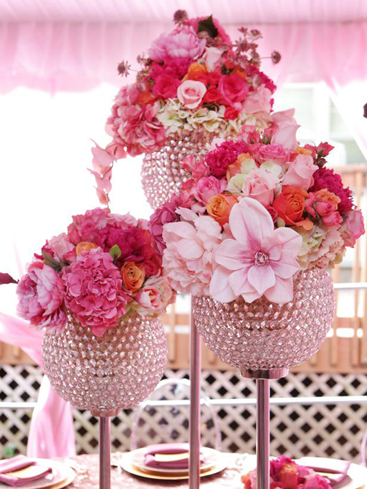 Wedding flower centerpieces using pink flowers