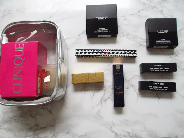 http://www.verodoesthis.be/2015/12/julie-shoplog-estee-lauder-mac-clinique.html