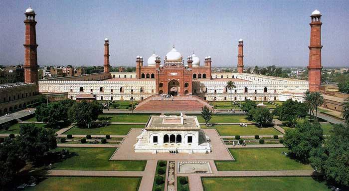 بادشاہی مسجد کی کہانی ایک تاریخی دستاویز