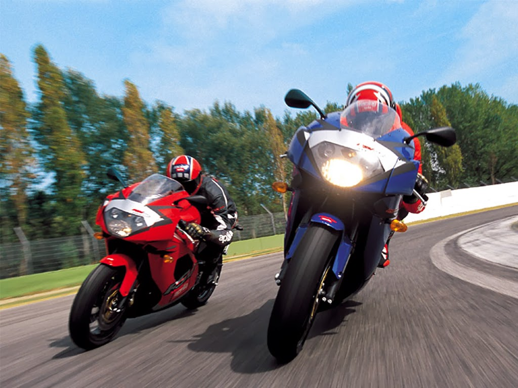Free download bike and car race