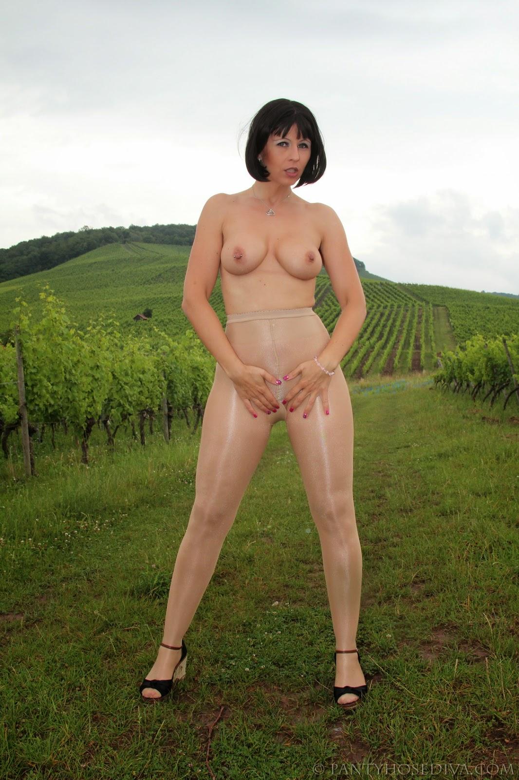 marla maples nude