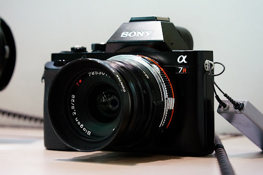 sony a7r contax zeiss  28mm biogon