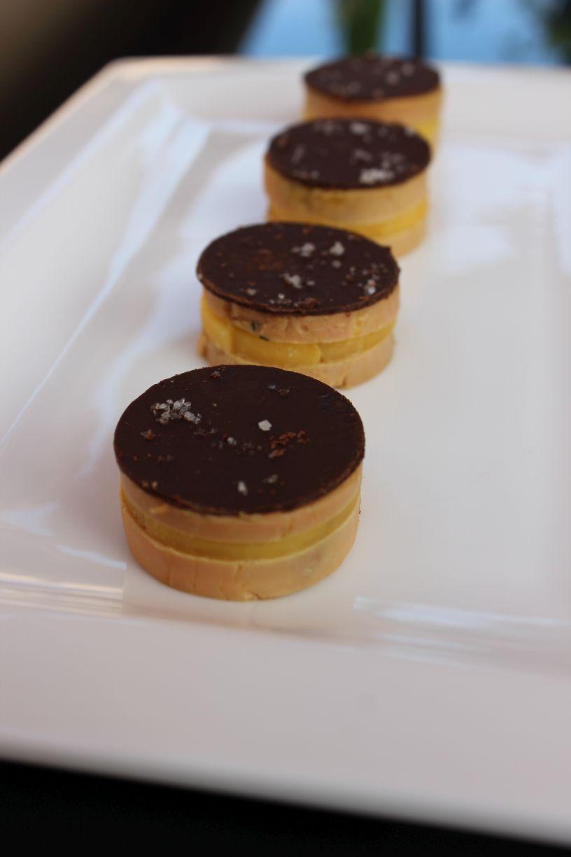 Au menu du jour bouch es de foie gras au poivre noir mangue et chocolat noi - Dosage sel et poivre pour foie gras ...