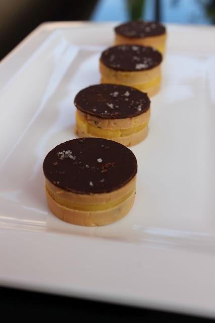 au menu du jour bouch es de foie gras au poivre noir. Black Bedroom Furniture Sets. Home Design Ideas