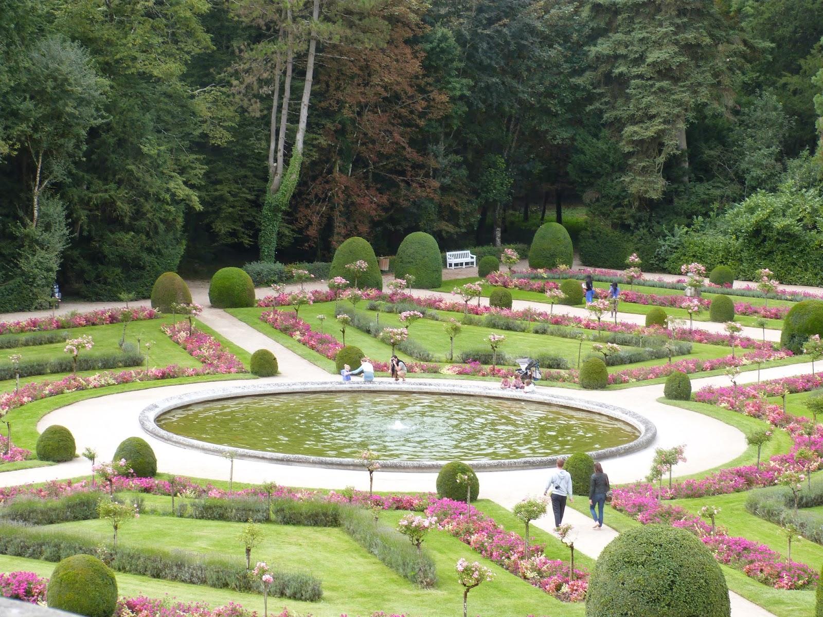 Un jardin des fleurs Petite visite du ch¢teau de Chenonceau