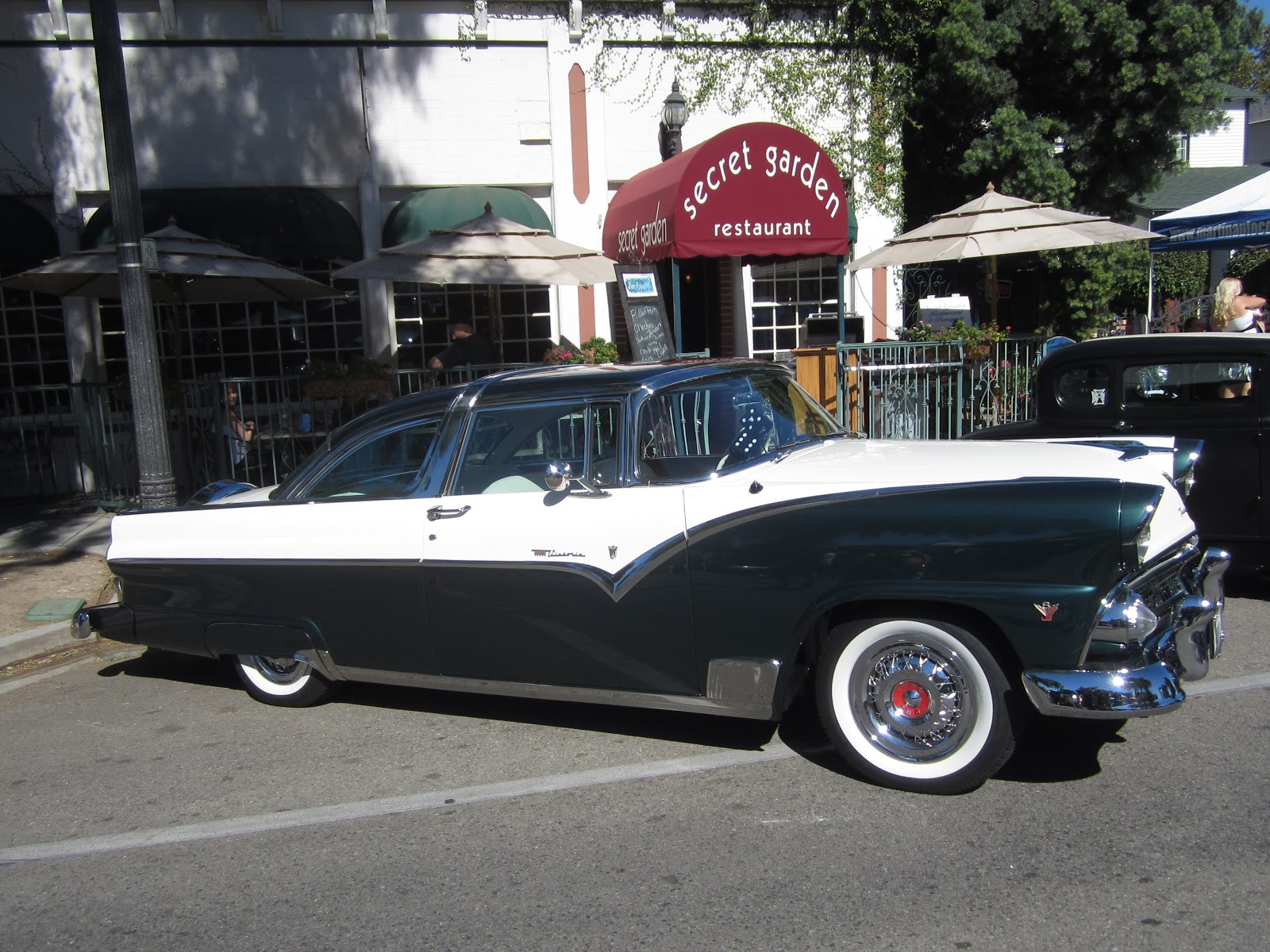 Covering Classic Cars : Roamin\' Relics Car Show in Moorpark, Ca