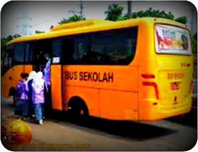 Ahok akan menghapus Bus Sekolah di Jakarta