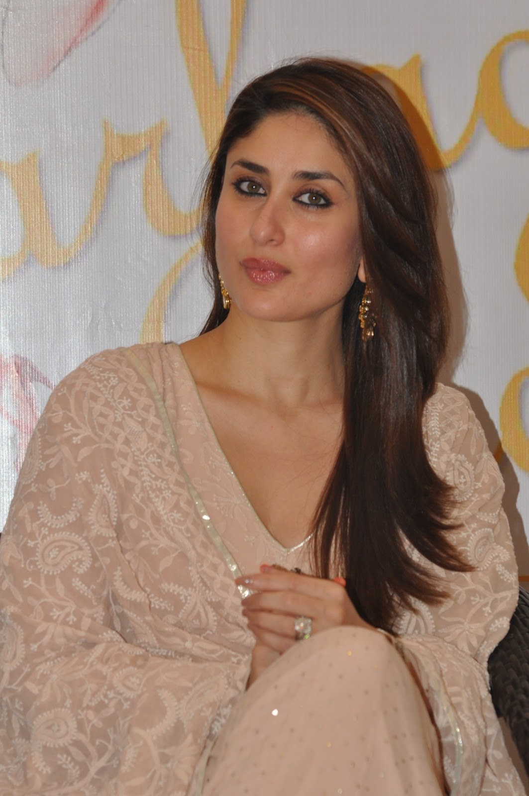 Gorgeous kareena pics from an event