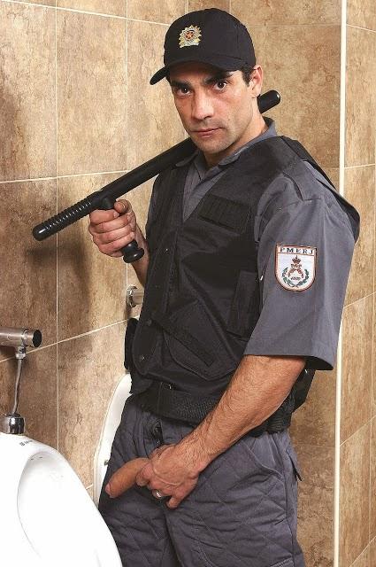 Um Policial Peludo Pelado E Safado De Pau Duro