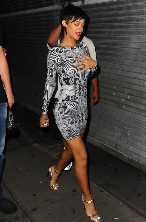 Kemi Online Rihanna Drop Dead Gorgeous At Pre Vma Party