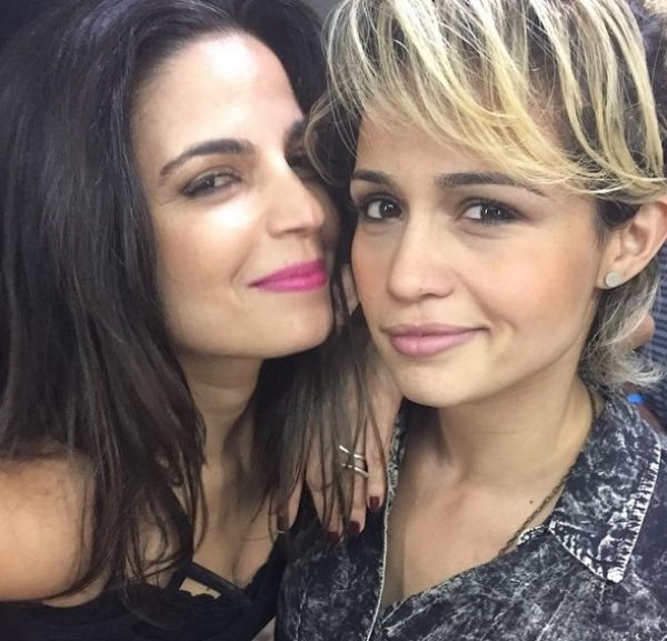 namoro Nanda Costa e Emanuelle Araujo
