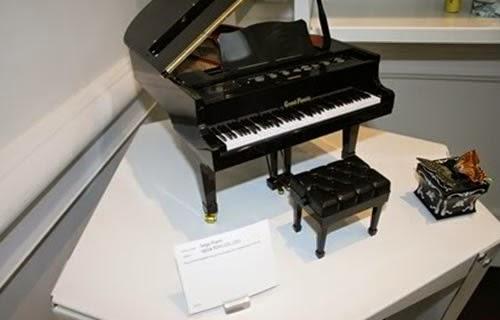 The World's Smallest Piano