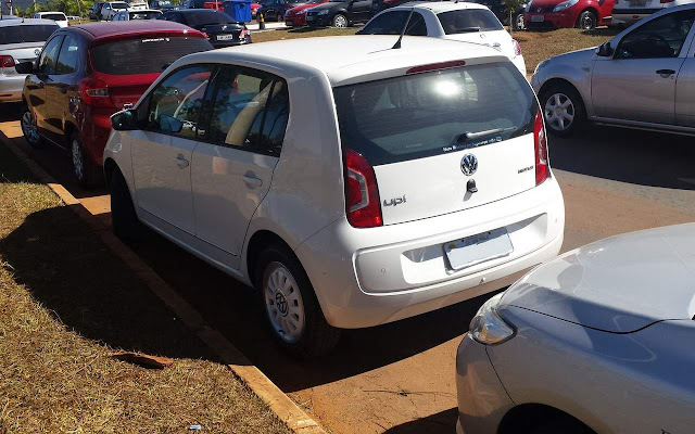 Volkswagen Up! - Estacionamento