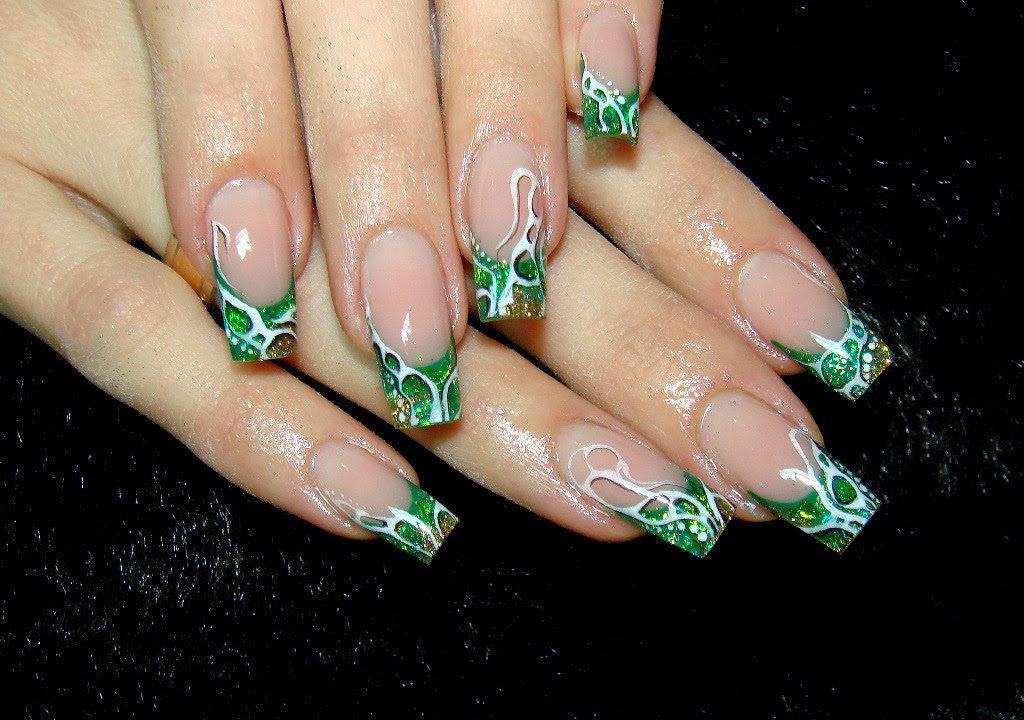 Simple Green Nail Art Using Acrylic Paint