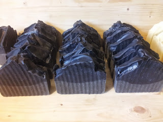dead sea mud & charcoal soap