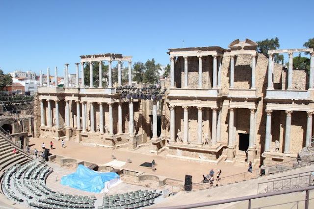 8 Bangunan Romawi Paling Populer
