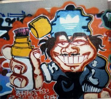 Graffiti personaje con posca y gorro Adidas