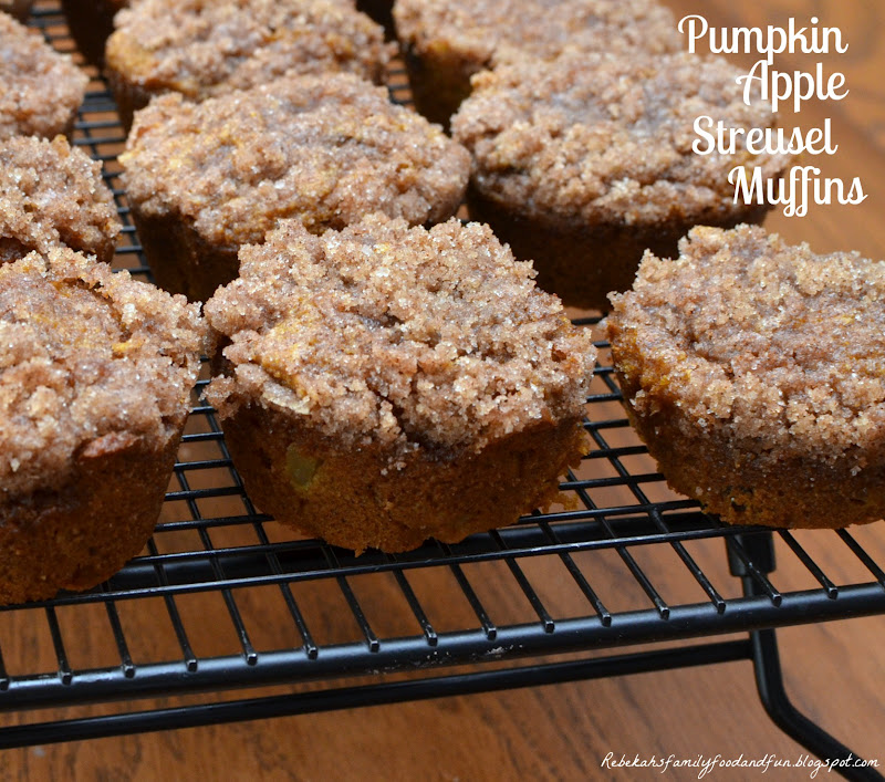 Family, Food, and Fun: Pumpkin Apple Streusel Muffins