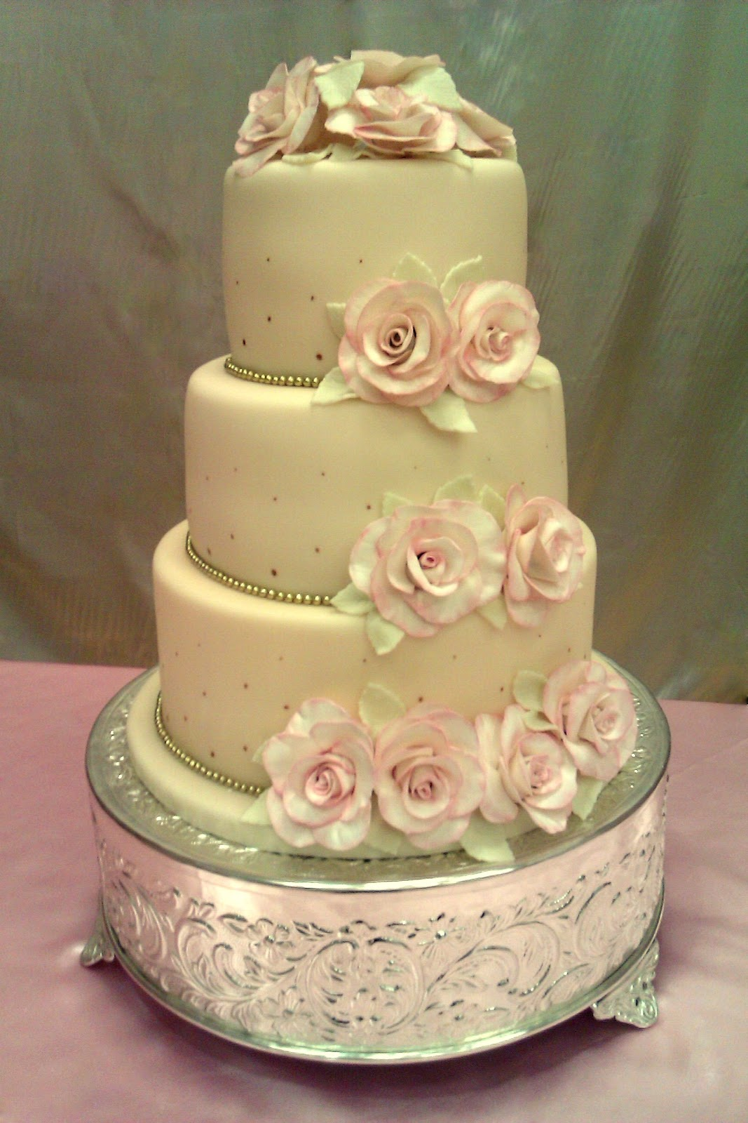 Custom Cakes By Stef: Vintage Rosette Wedding